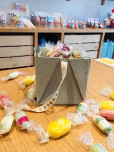 Boite à bonbon en origami